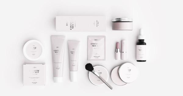 cosmetics-mockup-scene