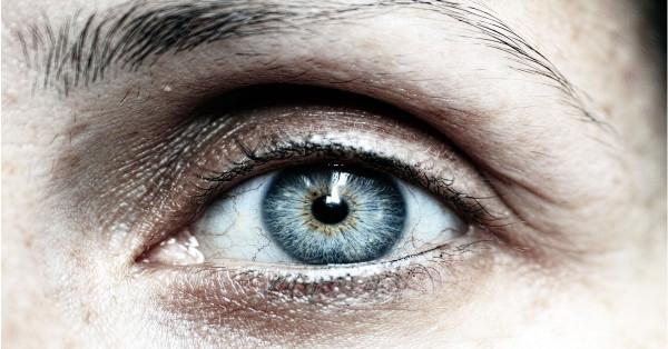 eye closeup copper toxicity