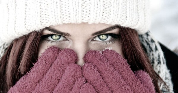 girl-in-winter-gloves-and-hat