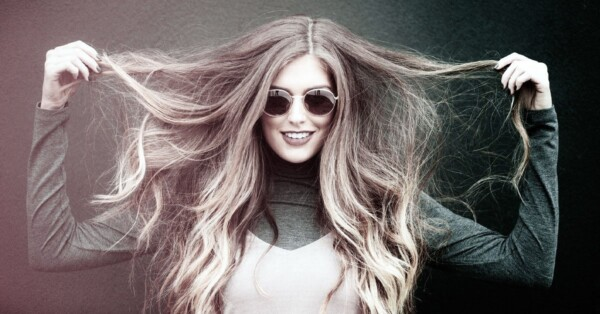 girl-with-long-brown-dry hair