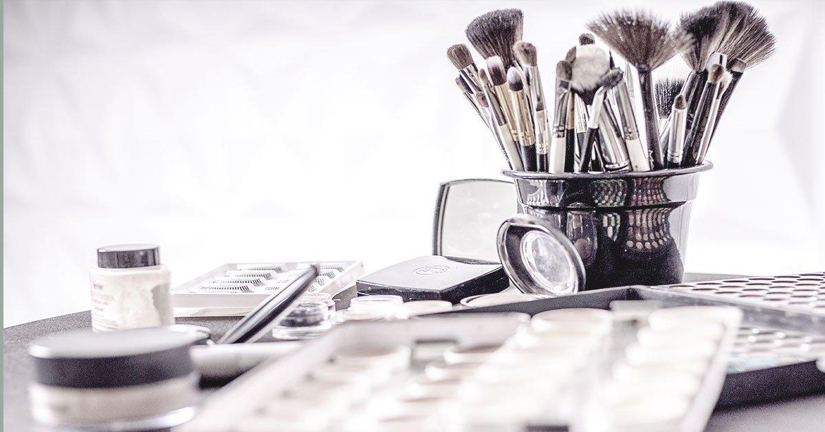 makeup-scene-brushes