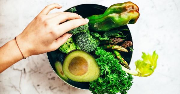 candida overgrowth-diet-salad