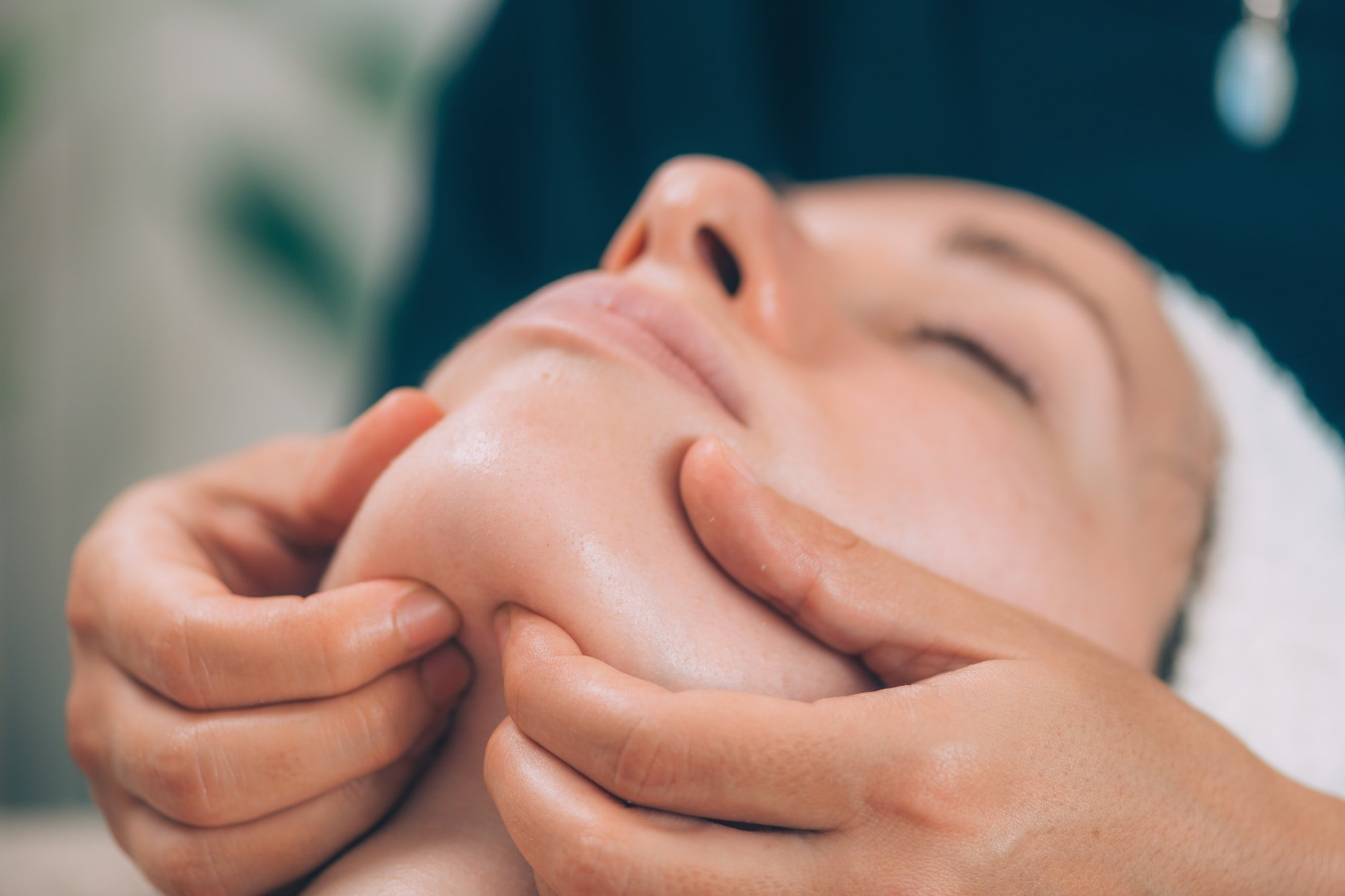 How to Improve Lymphatic Drainage Facial Massage