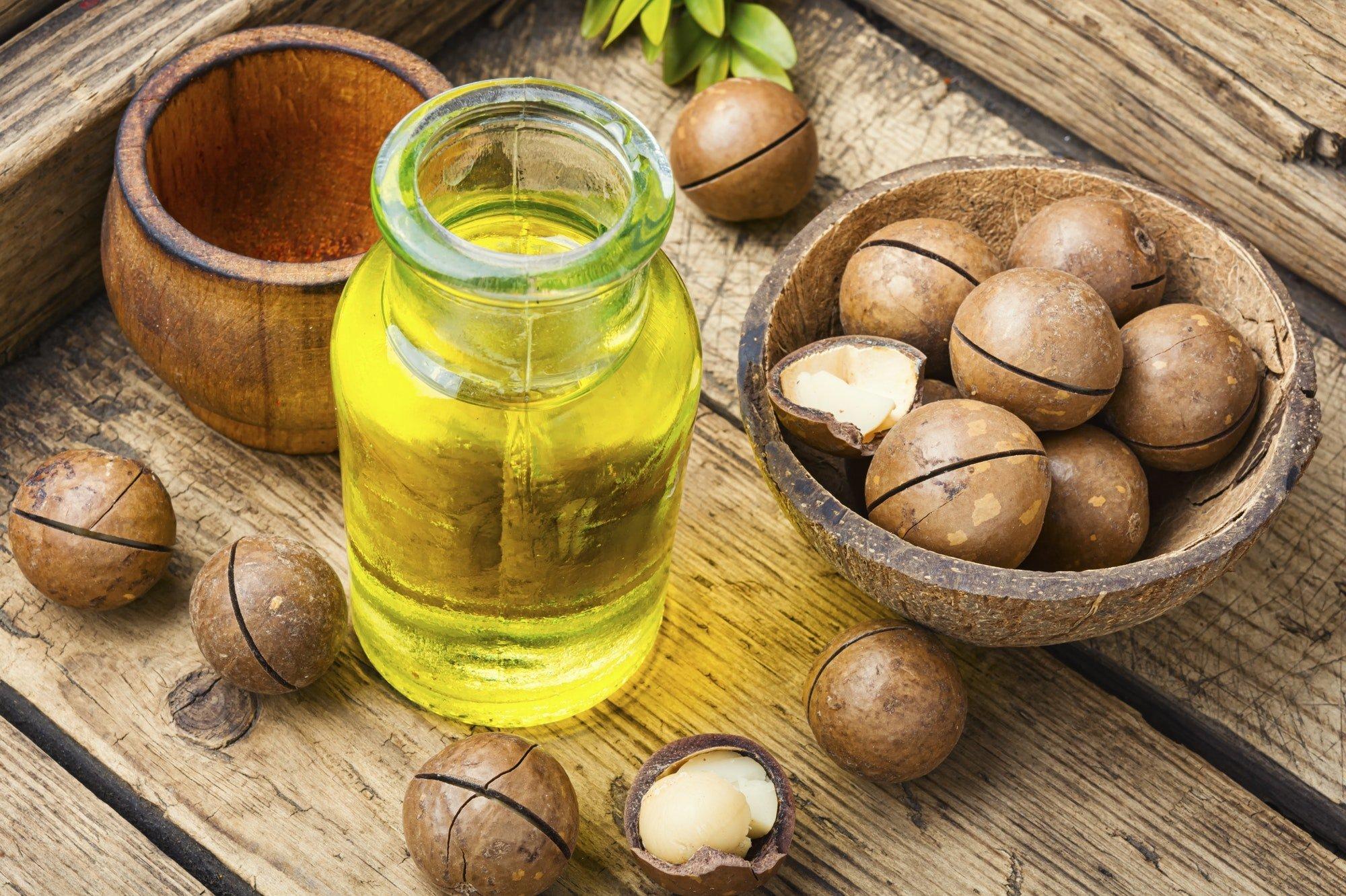 Nuts of macadamia integrifolia