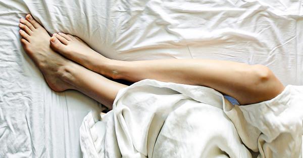 womans legs-glycolic-acid-for-keratosis-pilaris