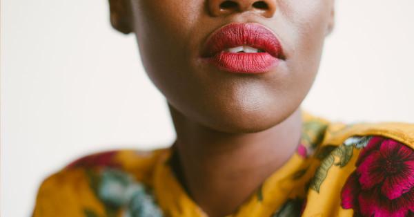 natural-help-for-menopause-woman lips closeup