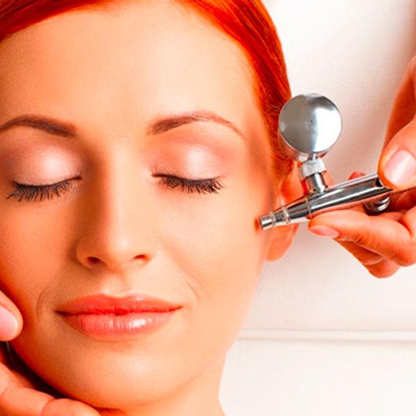 woman getting oxygen facial - 6 Best At Home HydraFacial Machine Alternatives