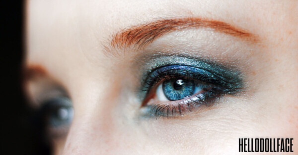 Best Brightening Eyeliner For Waterline 2021 Close Up Woman With Bright Eyeliner